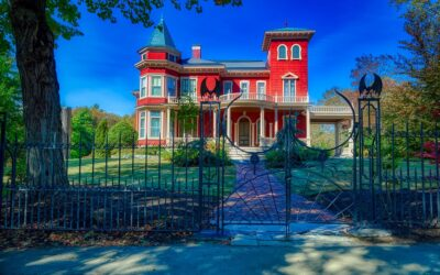 ATG Quirky: Stephen King's House to Become Archive and Writers' Retreat